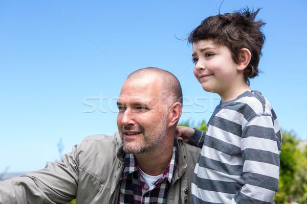 Vader zoon naar iets platteland voorjaar liefde Stockfoto © wavebreak_media