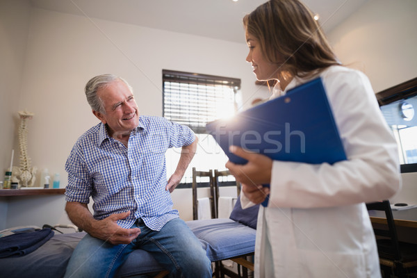 Kıdemli erkek hasta geri ağrı Stok fotoğraf © wavebreak_media