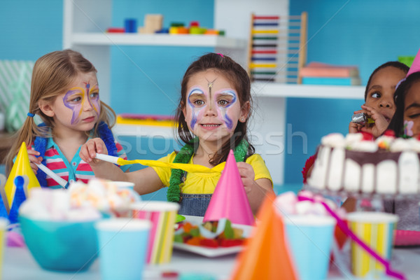 Mutlu çocuklar doğum günü birlikte kız Stok fotoğraf © wavebreak_media