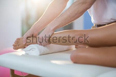 Mulher depilação com cera em banheiro casa casa Foto stock © wavebreak_media