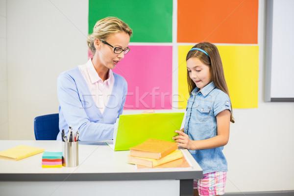 учитель школьница рисунок школы женщину ребенка Сток-фото © wavebreak_media