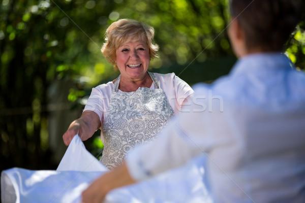 Gelukkig senior vrouwen picknicktafel tuin vrouw Stockfoto © wavebreak_media