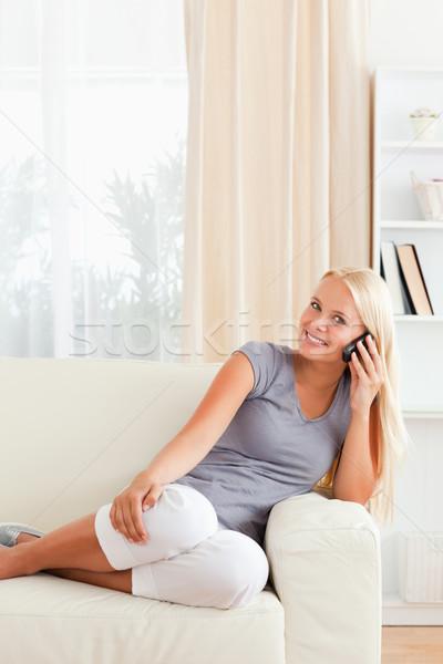 Photo stock: Portrait · téléphone · femme · salon · téléphone · cheveux