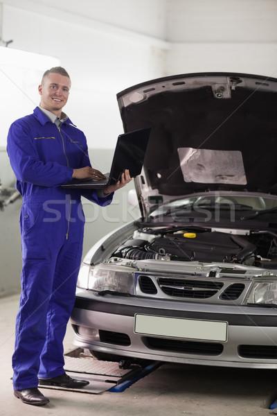 Сток-фото: механиком · Постоянный · компьютер · гаража · автомобилей