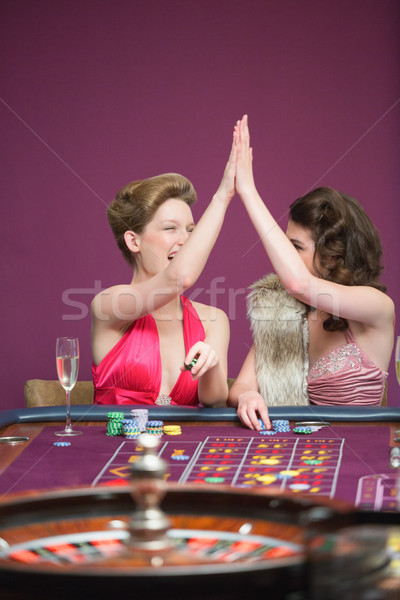 Donne alto roulette tavola casino bellezza Foto d'archivio © wavebreak_media