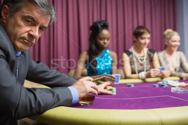 Adam viski bakıyor öfkeli poker oyun Stok fotoğraf © wavebreak_media