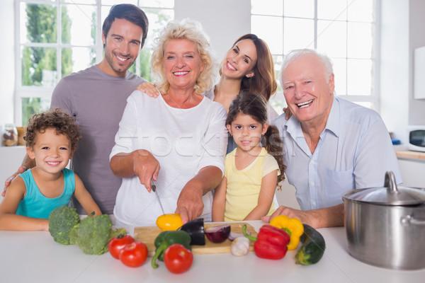 Család vág zöldségek együtt konyha nő Stock fotó © wavebreak_media