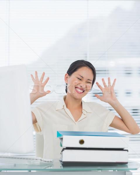 怒っ 女性実業家 スタック フォルダ デスク 小さな ストックフォト © wavebreak_media