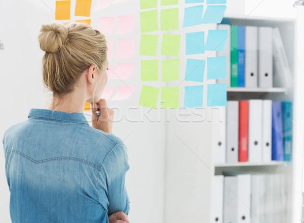 вид сзади женщины художник глядя красочный Сток-фото © wavebreak_media