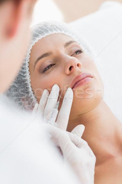 Foto stock: Mulher · injeção · de · botox · lábio · bela · mulher · escritório