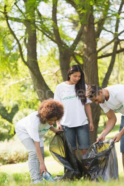 團隊 志願者 上 公園 年輕 商業照片 © wavebreak_media