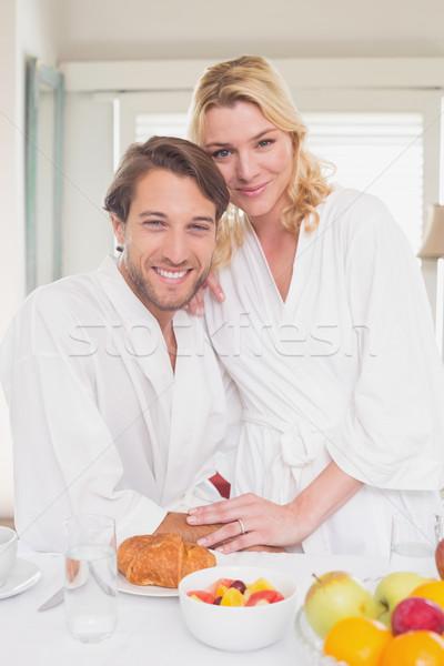 Casal sorridente câmera casa sala de estar casa Foto stock © wavebreak_media