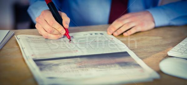 üzletember újság jelző iroda üzlet ír Stock fotó © wavebreak_media