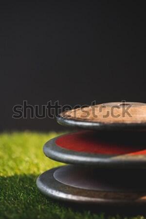 Roupa sapatos banco parede árvore Foto stock © wavebreak_media