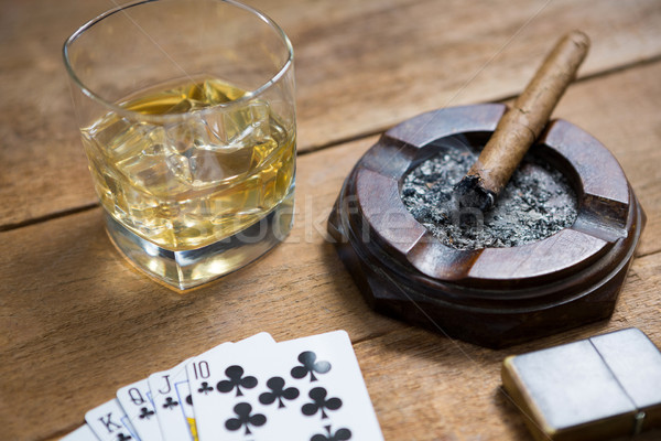 Photo stock: Cartes · whisky · cigare · table · en · bois · verre