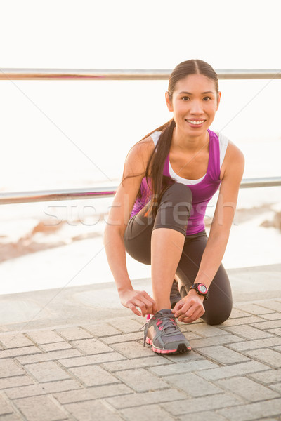 Glimlachend geschikt vrouw promenade portret Stockfoto © wavebreak_media