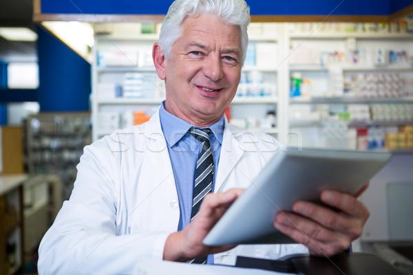 薬剤師 デジタル タブレット 肖像 薬局 ビジネス ストックフォト © wavebreak_media