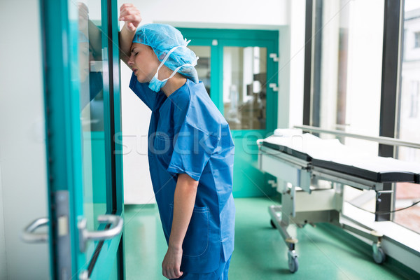 悲しい 外科医 ガラス ドア 病院 ストックフォト © wavebreak_media