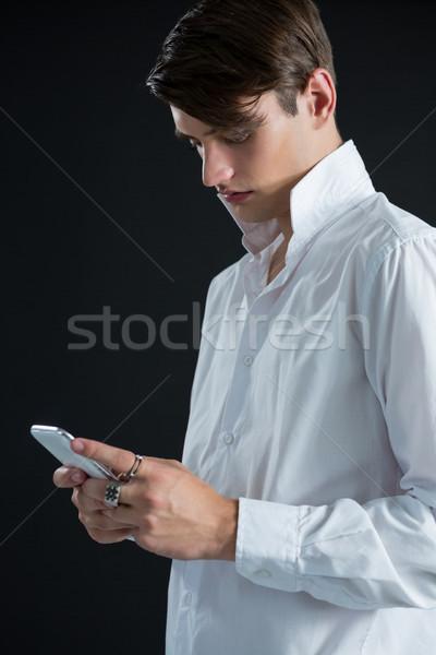 Férfi mobiltelefon divat homoszexuális hideg törődés Stock fotó © wavebreak_media