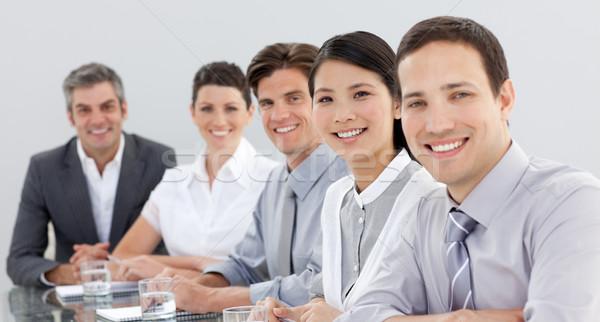 üzleti csoport mutat diverzitás megbeszélés néz kamera Stock fotó © wavebreak_media