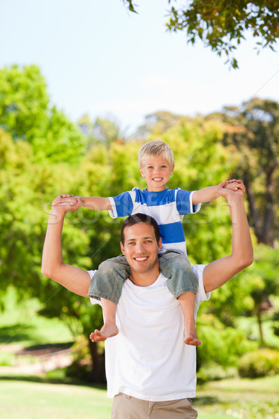 Homem filho piggyback família sorrir amor Foto stock © wavebreak_media
