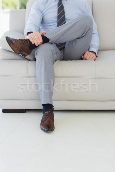 Niedrig Abteilung entspannt junger Mann Sitzung Stock foto © wavebreak_media