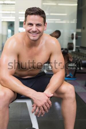 Torse nu musculaire homme barbell gymnase Photo stock © wavebreak_media