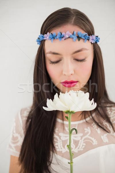 Bastante hippie flor cinza parede vestir Foto stock © wavebreak_media