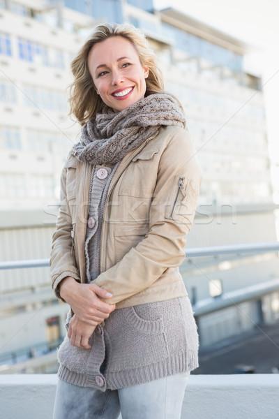 Szczęśliwy ciepły ubrania stwarzające miasta Zdjęcia stock © wavebreak_media