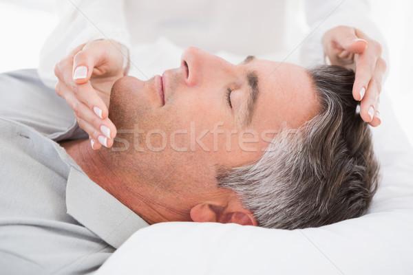 Terapeuta trabalhando homem médico escritório mulher Foto stock © wavebreak_media