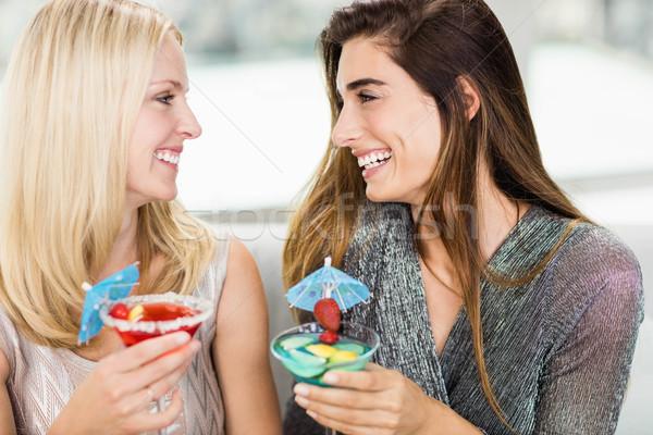 Közelkép gyönyörű nők mosolyog nő ital Stock fotó © wavebreak_media