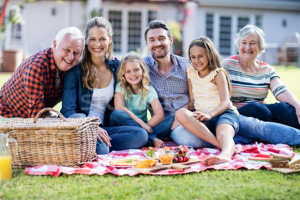 Famiglia felice picnic giardino ragazza bambino estate Foto d'archivio © wavebreak_media