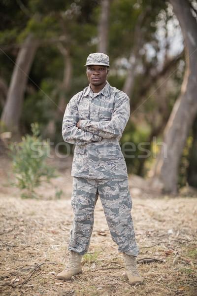 Militar soldado pie los brazos cruzados carne negro Foto stock © wavebreak_media