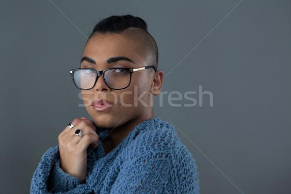Portret transgender vrouw bril telefoon Stockfoto © wavebreak_media