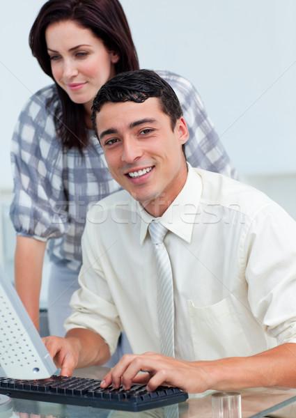 Uśmiechnięty koledzy komputera biuro kobieta Zdjęcia stock © wavebreak_media