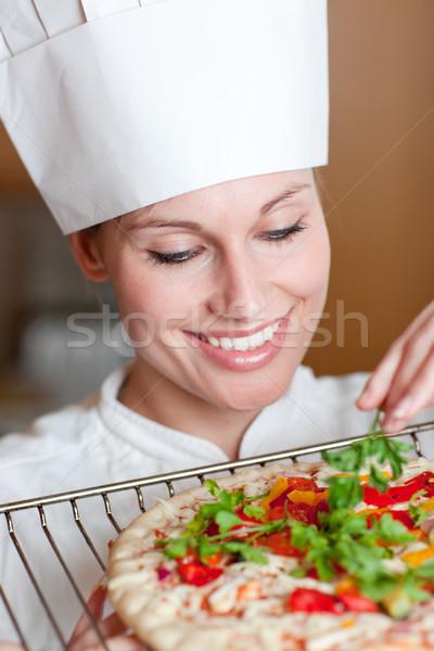 Gülen kadın şef pizza mutfak gülümseme Stok fotoğraf © wavebreak_media