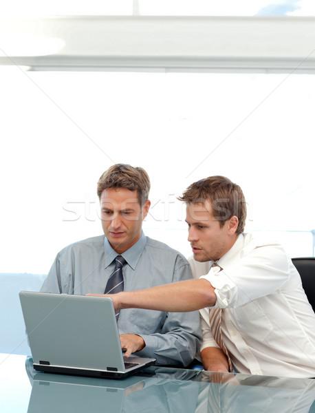 Dois parceria laptop sessão tabela Foto stock © wavebreak_media