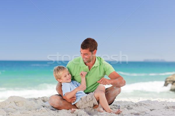 Uważny syn ojca plaży wody twarz szczęśliwy Zdjęcia stock © wavebreak_media
