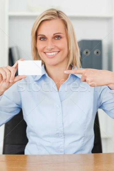 Stock fotó: Mosolyog · szőke · nő · üzletasszony · mutat · kártya · külső