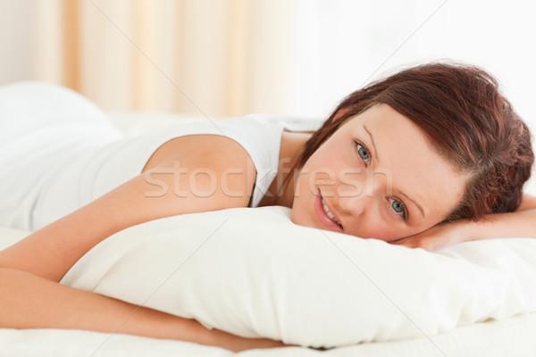 великолепный женщину кровать спальня лице Сток-фото © wavebreak_media