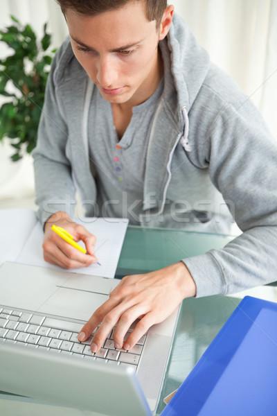Diák házi feladat segít netbook laptop dolgozik Stock fotó © wavebreak_media