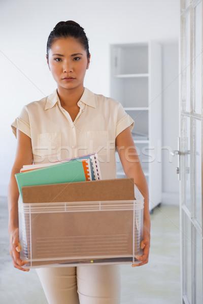 Femme d'affaires boîte choses bureau portrait Photo stock © wavebreak_media