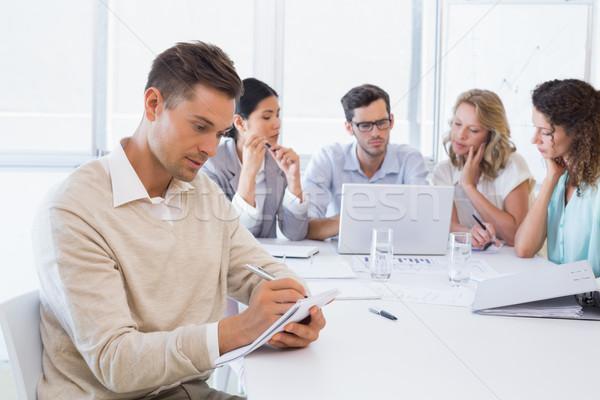 Lezser üzletember jegyzetel megbeszélés iroda férfi Stock fotó © wavebreak_media