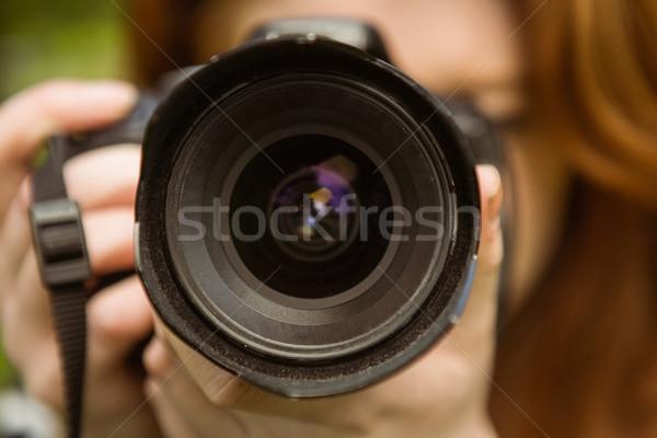Kadın fotoğrafçı park teknoloji objektif Stok fotoğraf © wavebreak_media