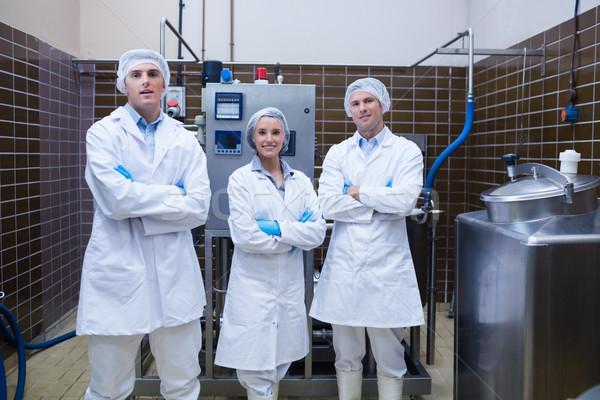 Biológus csapat áll mosolyog keresztbe tett kar gyár Stock fotó © wavebreak_media