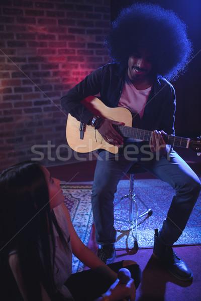 женщины певицы мужчины гитарист ночном клубе Сток-фото © wavebreak_media