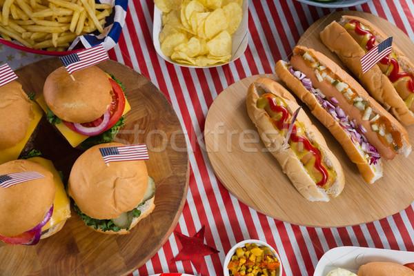 Sıcak köpekler ahşap masa gıda Stok fotoğraf © wavebreak_media