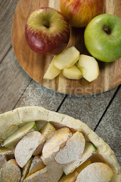 Tarte aux pommes préparation table en bois bois papillon Photo stock © wavebreak_media