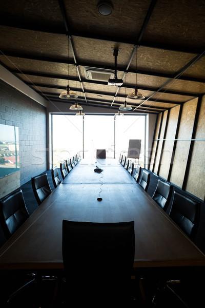 Lege moderne conferentiezaal kantoor conferentie tabel Stockfoto © wavebreak_media