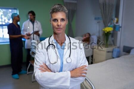 Portré női nővér áll folyosó keresztbe tett kar Stock fotó © wavebreak_media